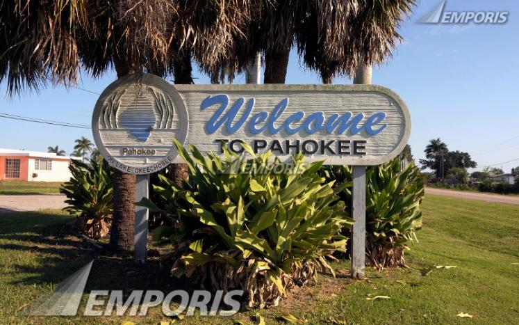 Welcome to Pahokee Sign